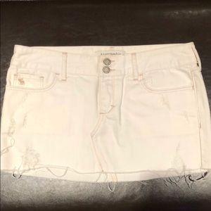 NWOT Abercrombie & Fitch white denim skirt 00